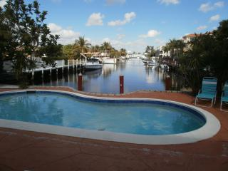 Cozy Duplex Waterfront, pet-friendly, pool - Lauderdale by the Sea vacation rentals
