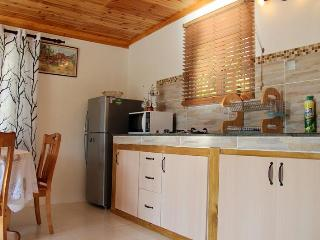 One bedroom Villa Reef Estate Mahe 5km to Airport - Maher vacation rentals