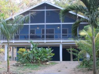 La Casa Azul West Bay Beach 3 Bedroom Home, Roatan - West Bay vacation rentals