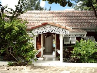 Dudley Wood at Gibbs Beach, Barbados - Beachfront, Pool, Enclosed Garden - Gibbes vacation rentals