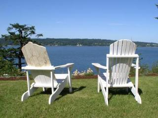 Waterfront cottage w/ great view & beach access - Puget Sound vacation rentals