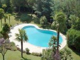 Ground floor one bedroom apartment & shared pool - Cannes vacation rentals