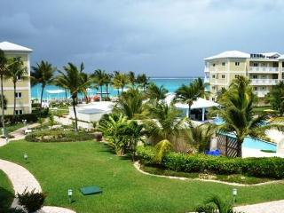 One bedroom 1 1/2 bath; beautiful Alexandra Resort - Grace Bay vacation rentals