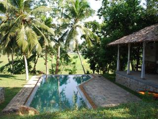 3 bedroom villa with swimming pool in Hikkaduwa - Sri Lanka vacation rentals