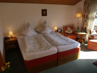 Guest Room in Seehausen am Staffelsee - 221 sqft, bright, has lots of amenities, spacious (# 3085) - Bavaria vacation rentals