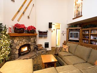 Aspen Creek 205 - Mammoth Rental - Near Eagle Lift - Mammoth Lakes vacation rentals