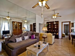 CR655b - Navona  Awesome Apartment with inner lift - Lazio vacation rentals