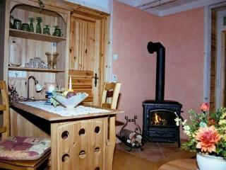 LLAG Luxury Vacation Apartment in Hayingen - 646 sqft, rustic, allergy-friendly, romantic (# 3110) - Sylt vacation rentals