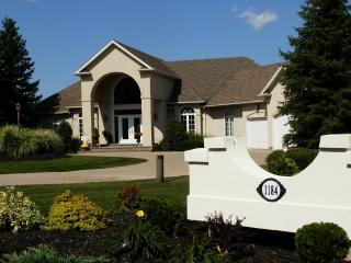 Suite - One Night Reservations Welcome! - Niagara-on-the-Lake vacation rentals