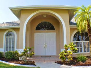 Villa Lika - Tropical Oasis with southern exposure - Cape Coral vacation rentals