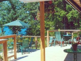 Bluewater Cottage - A Private Waterfront Get-Away - Bowen Island vacation rentals