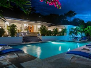 PARADISE TWH - 83640 - BEAUTIFUL | RENOVATED 6 BED VILLA WITH POOL | MONTEGO BAY - Montego Bay vacation rentals