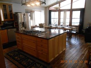 end of Ski Season Specials call SOON..970-819-1989 - Steamboat Springs vacation rentals