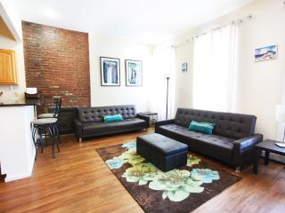 CHIC & SPACIOUS 2 BEDROOM APARTMENT IN MANHATTAN - Manhattan vacation rentals