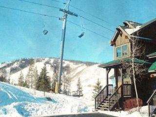 Ski in Ski Out Kicking Horse Lodges 2 Bedroom Condo - Granby vacation rentals