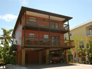 Beach Breeze! New and Available! - Bradenton Beach vacation rentals