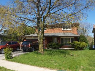 Spacious Beautiful 4 BDR House Convenient Location - Toronto vacation rentals