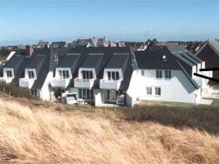 LLAG Luxury Vacation Apartment in Wenningstedt-Braderup - 538 sqft, bright, ideal location, beach access… - Wenningstedt vacation rentals