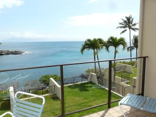 Napili Point C18 Oceanfront GREAT RATES/DISCOUNTS! - Napili-Honokowai vacation rentals