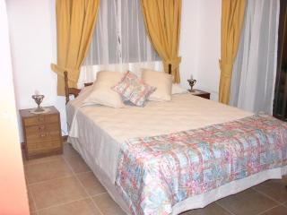 Bungalow Anakena, 2bd/2bath, central, cap. 4 guest - Easter Island vacation rentals