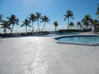 Mobile Home in Venture Out Sleeps 4 Mile Marker 23 - Puerto Morelos vacation rentals