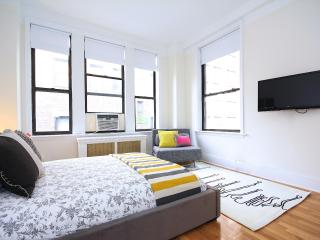 Luxurious Bright Midtown Studio ! - New York City vacation rentals