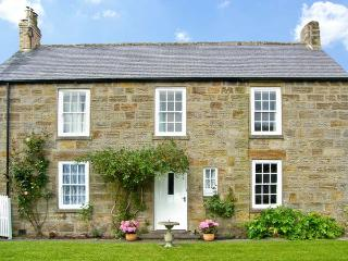 THE OLD POST OFFICE, games room, off road parking, with a garden, in Morpeth, Ref 12149 - Northumberland vacation rentals