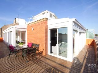 Alcazar Penthouse. 2-bedroom for 8 with terrace - Seville vacation rentals