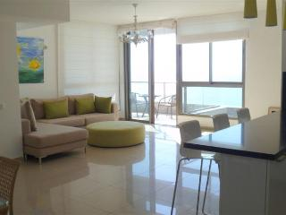 Nitza - Sea Opera - Beautiful 3 Bedroom Apartment with outdoor pool - NB01KP - Netanya vacation rentals