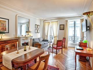 Classic Luxe in Best Location Ctral A/C 2BedR+2BhR - 8th Arrondissement Élysée vacation rentals