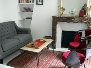 Sainte Croix - Quiet Marais apartment near Hotel de Ville - Paris vacation rentals