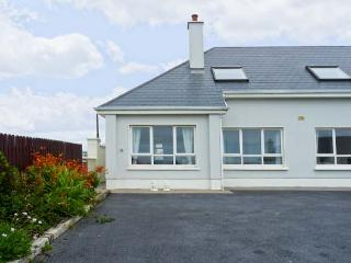 THE MEWS romantic retreat, open fire, close to beach in Lahinch Ref 19736 - County Clare vacation rentals