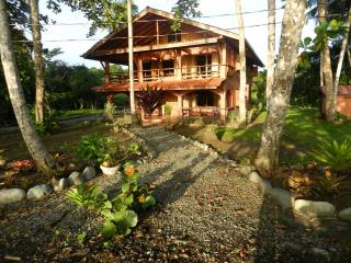 4 Bed, 4 Bath House 50 feet from Caribbean ocean - Puerto Viejo de Talamanca vacation rentals