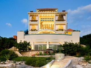 Ultimate Oceanfront Luxury Villa-Vista de la Luz - Isla Mujeres vacation rentals