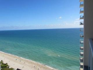 La Perla - Luxury Oceanfront - Sleeps 6 - Modern - Sunny Isles vacation rentals