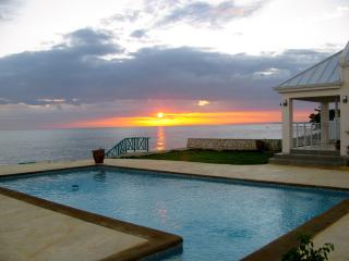 4 bedroom cottage w/pool in Whitehouse, Jamaica - Jamaica vacation rentals