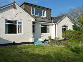 COLLOGGETT, detached cottage, en-suite, enclosed gardens, in Cargreen, Ref 14405 - Saltash vacation rentals