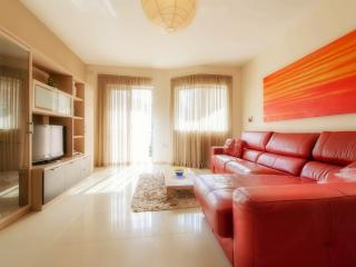 Luxury 2 bedroom holiday apartment in Qawra Malta - Qawra vacation rentals