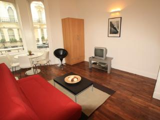 Nice 1 Bedroom Apartment in High Street Kensington - London vacation rentals