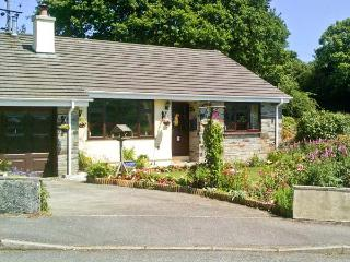5 WELL MEADOW, pet friendly, large garden, woodburner, in Egloskerry, Ref 21159 - Egloskerry vacation rentals
