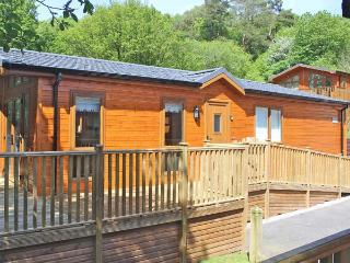 BLUEBELL LODGE en-suite facilities, on-site swimming pool, WiFi, Sky TV, lodge near Troutbeck Bridge, Ref. 30217 - Troutbeck Bridge vacation rentals