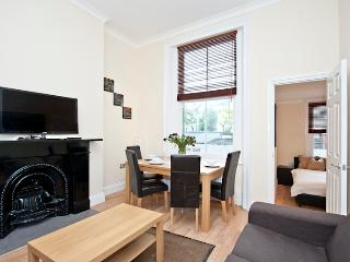 Quality 1 Bedroom for 4 in Earls Court - London vacation rentals