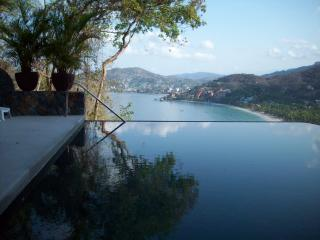 beautiful 3 bedroom condo in Zihuatanejo, Mexico - Zihuatanejo vacation rentals