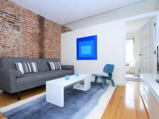 Beautiful Unique Hell's Kitchen Midtown 2-Bed Apt! - New York City vacation rentals