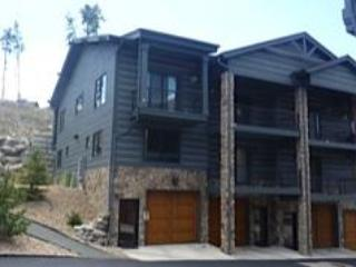 Exterior  (B2 is the second unit from the left) - Gorgeous Townhome in Downtown Grand Lake-3BR/3BA - Grand Lake - rentals