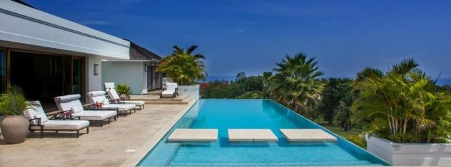 PARADISE TVL - 84799 - FABULOUS | WELL EQUIPPPED | LUXURY | 5 BED FAMILY VILLA | MONTEGO BAY - Image 1 - Montego Bay - rentals