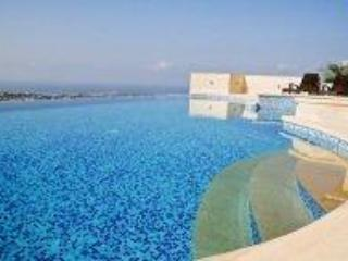 Roman steps to infinity pool - Penthouse Apartment with Mediterranean views - Paphos - rentals