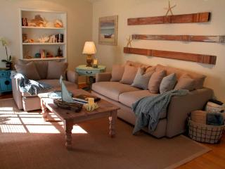 3511 - Pet Friendly Cottage, Chic Beach Decor, Immaculate - Pacific Grove vacation rentals