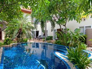 Pattaya - Pratumnak Elite Villa 4BED - Ban Bueng vacation rentals