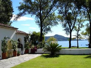 Lakeside wonderful cottage with garden by the lake - Levanto vacation rentals